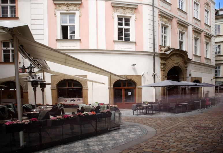 Palác U Kočků, Praga