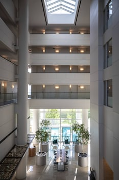 Picture of Renaissance Schaumburg Convention Center Hotel in Schaumburg