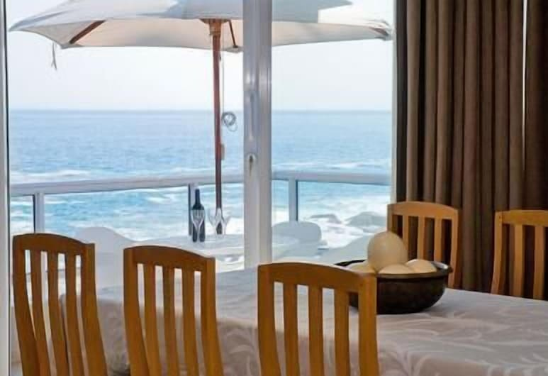 Bantry Beach Luxury Suites, Cape Town, Family Dining