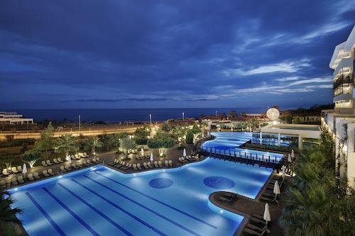 阿爾巴皇家全包式酒店
