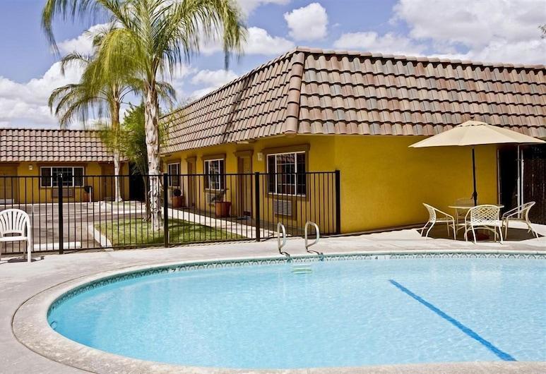 佛雷斯諾克羅維斯美洲最佳價值套房酒店, 克羅維斯, 室外泳池