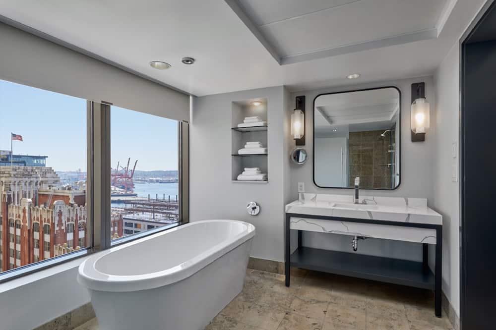 Apartmán typu Grand, 1 extra veľké dvojlôžko, výhľad, rohová izba (Water View) - Kúpeľňa