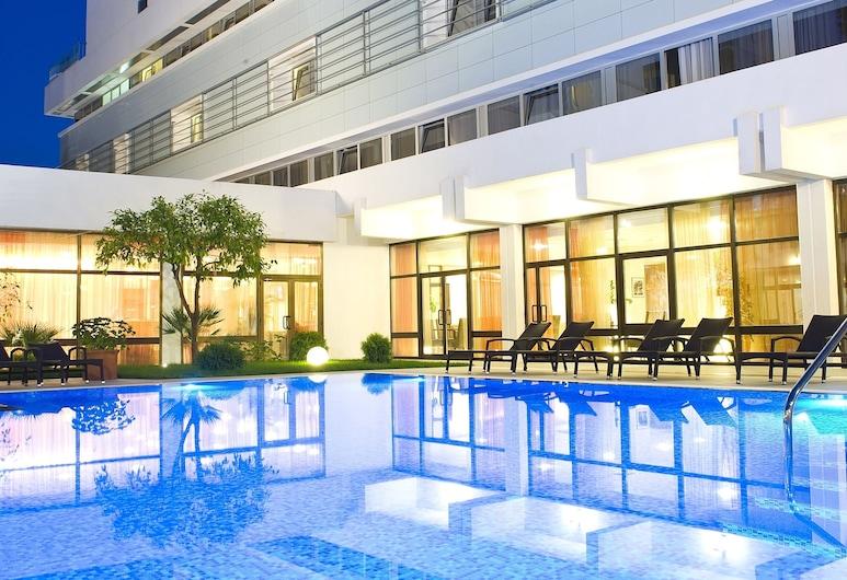 勒羅飯店, 杜布羅夫尼克, 室外游泳池
