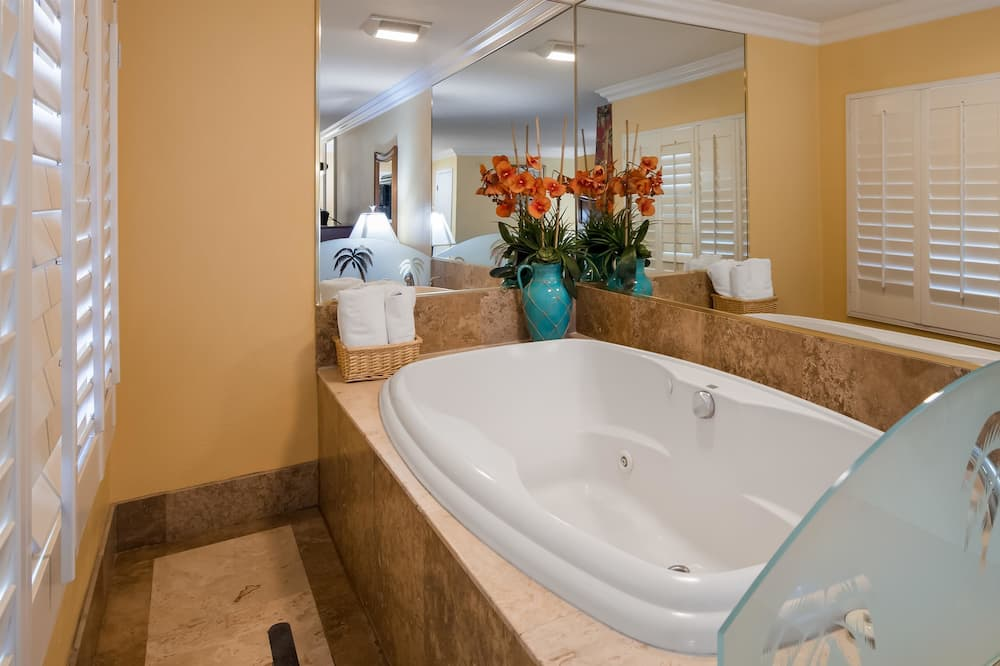 Suite, 1 King Bed, Balcony, Harbour View - Bathroom