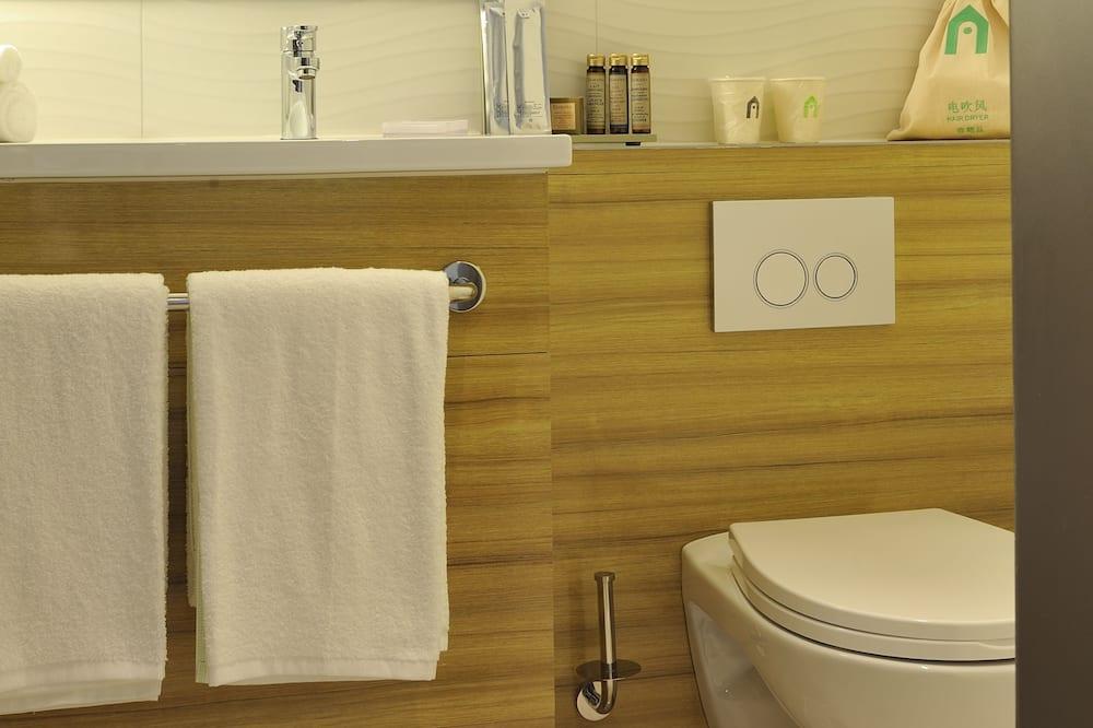 Deluxe Room, 2 Twin Beds (Clean Air) - Bathroom