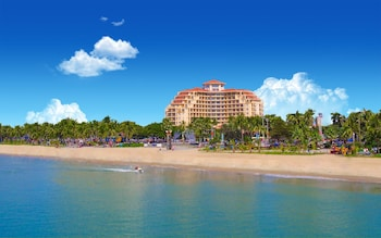 Picture of Sanya Golden Phoenix Sea View Hotel in Sanya