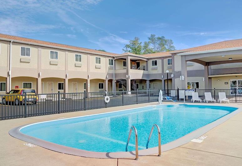 Days Inn & Suites by Wyndham Niagara Falls/buffalo, Niagara Falls