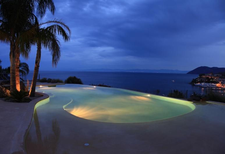 Hotel Villa Enrica - Aeolian Charme, Липари, Открытый бассейн