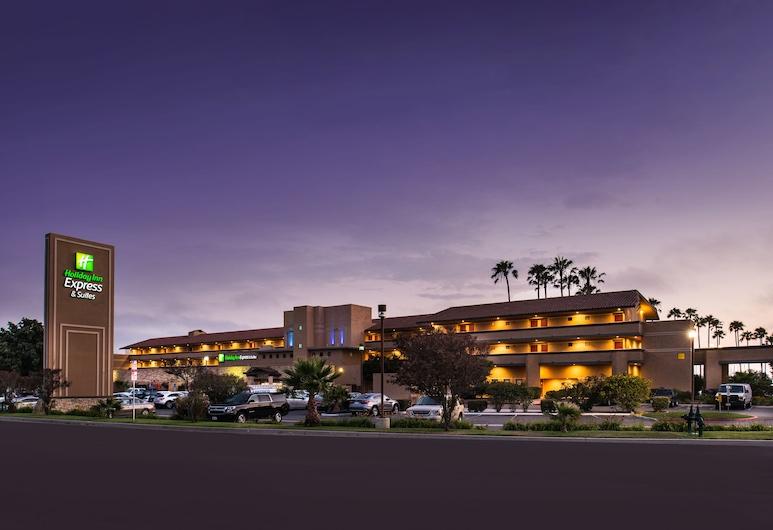 Holiday Inn Express Hotel & Suites Ventura, ונטורה, אזור חיצוני