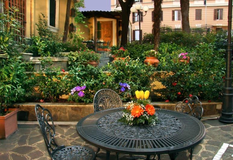 Hotel Villa San Lorenzo Maria, Roma, Giardino