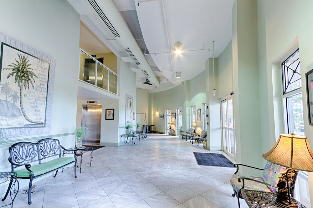 Wyndham Vacation Rentals Destin Lobby