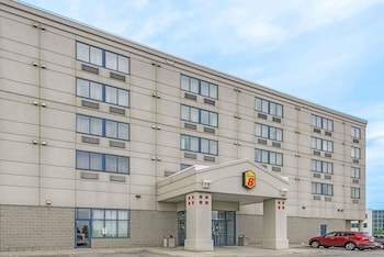 Picture of Super 8 by Wyndham Mississauga in Mississauga