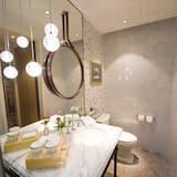 Номер с 2 односпальными кроватями (Ultra Sassy) - Ванная комната