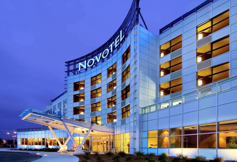 Novotel Montreal Aeroport, Montréal, Façade de l'hôtel
