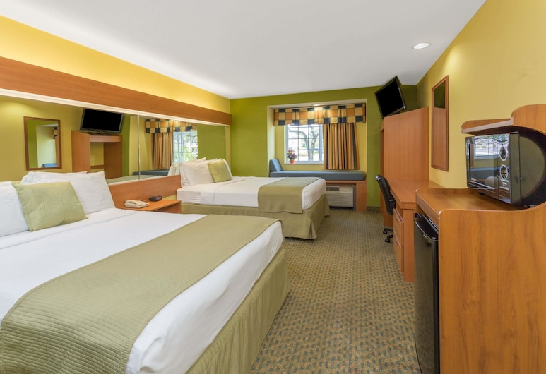 Microtel Inn & Suites by Wyndham Kingsland, Kingsland, Room, 2 Queen Beds, Non Smoking, Guest Room