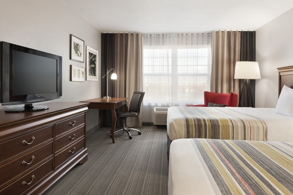 Book Country Inn & Suites by Radisson, Appleton North, WI in Little ...