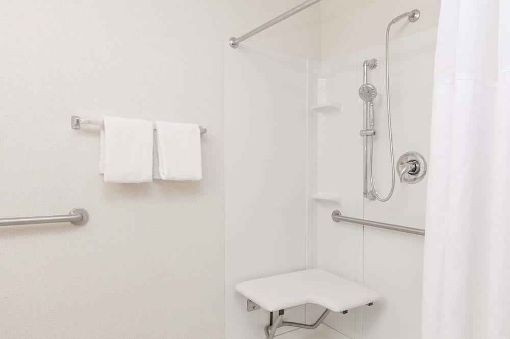 Kambarys, 1 didelė dvigulė lova, su patogumais neįgaliesiems, Nerūkantiesiems - Vonios kambarys