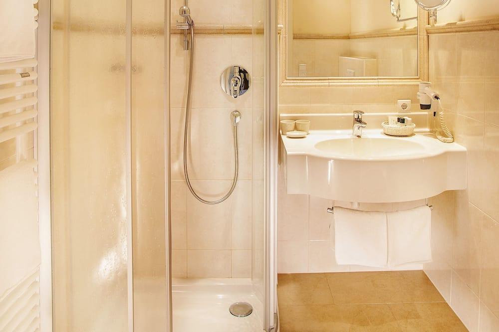 Одноместный номер, вид на горы - Ванная комната