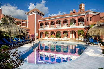 Picture of Hotel Los Arcos in Nerja