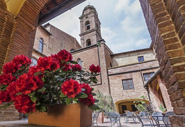 Il Chiostro del Carmine, Siena