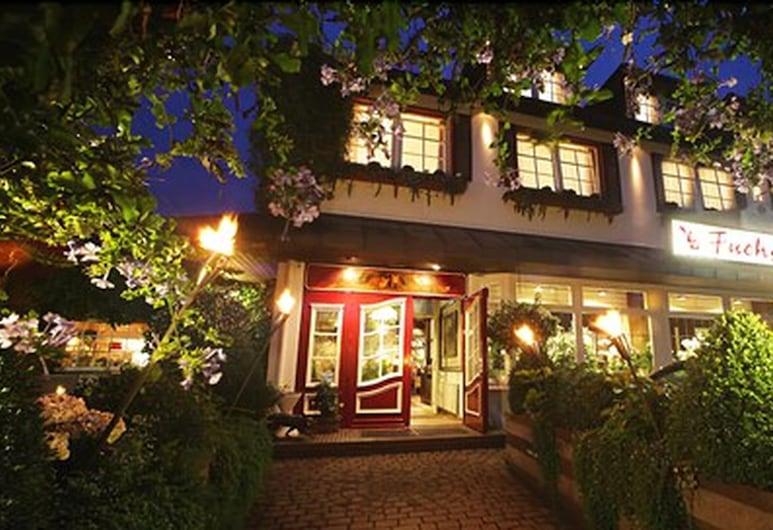 Romantik Hotel Fuchsbau, Timmendorfer Strand, Entrada del hotel (tarde o noche)