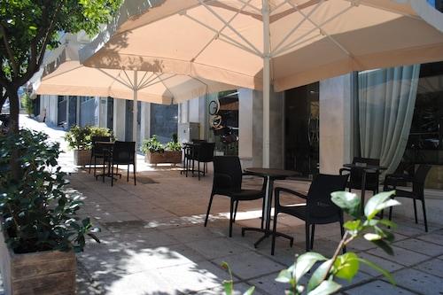 格拉羅斯酒店/