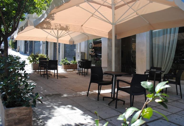 格拉羅斯酒店, 比雷埃夫斯, 住宿範圍