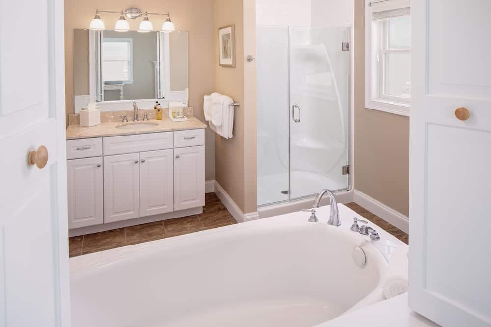 Room, Private Bathroom (10 - Ashley Bend) - Deep Soaking Bathtub
