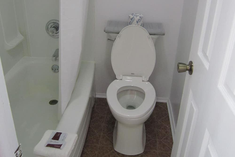 Doppelzimmer, Raucher - Badezimmer
