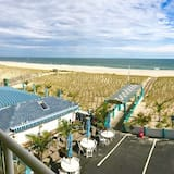3rd Floor Oceanfront, 2 Double Beds, Panoramic view of ocean and beach - Beach