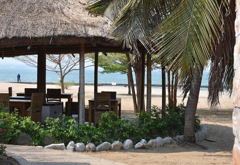 Hotel Club Du Lac Tanganyika, Bujumbura, Beach