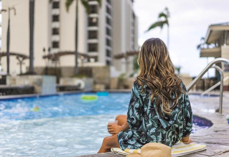 Embassy Suites by Hilton Waikiki Beach Walk, Honolulu, Poolbar