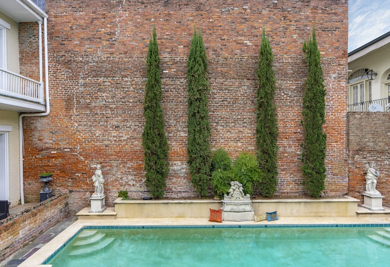 Chateau Hotel, New Orleans, Outdoor Pool