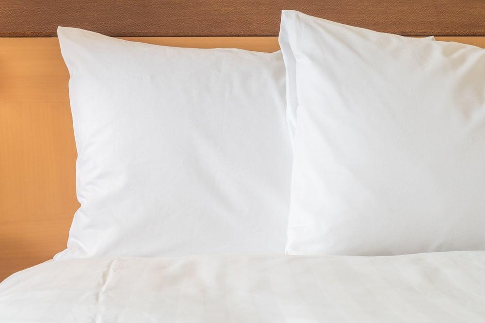 Люкс, 2 двуспальные кровати «Квин-сайз», для людей с ограниченными возможностями (Mobil Tran Shwr) - Номер