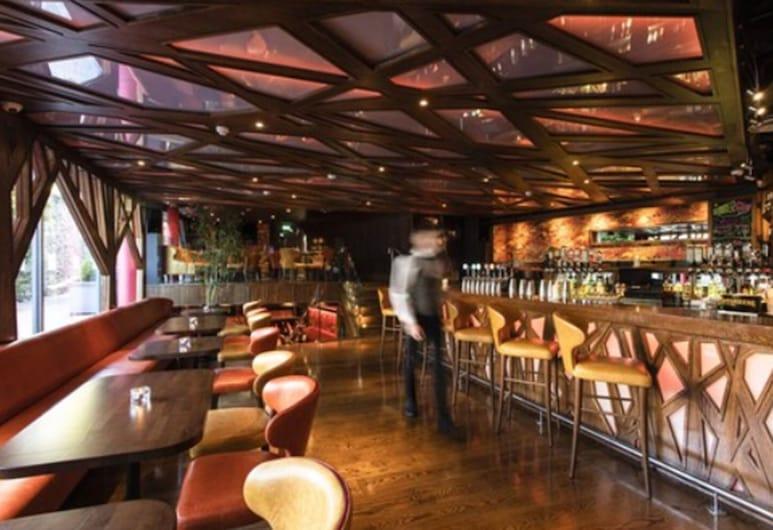 The Ross, קילרני, בר המלון