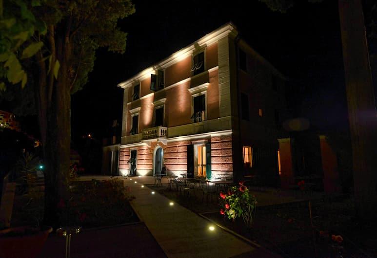 Villa Accini, Monterosso al Mare, Façade de l'hôtel - Soir/Nuit