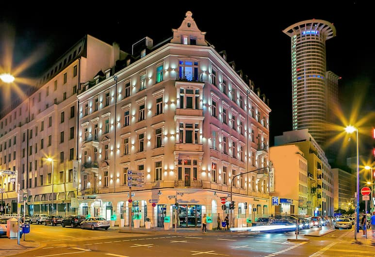Grand Hotel Downtown, Frankfurt, Hotel Front – Evening/Night
