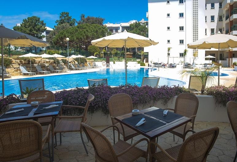 Victoria Sport&Beach Hotel, Albufeira, Bar junto a la alberca