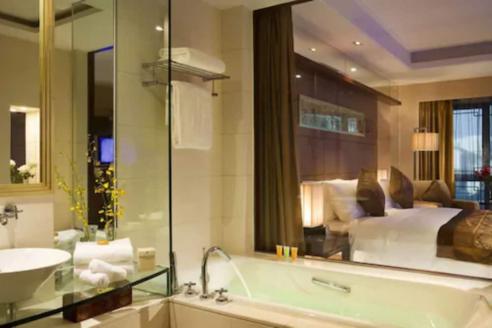 ห้องซูพีเรีย, เตียงคิงไซส์ 1 เตียง, ปลอดบุหรี่ (Continental) - อ่างอาบน้ำ