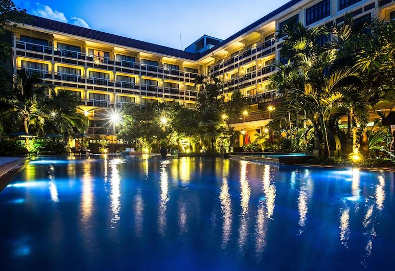 Prince d' Angkor Hotel & Spa, Siem Reap, Outdoor Pool