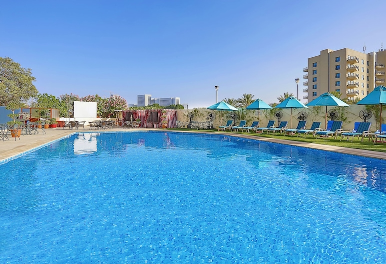 Arabian Park Hotel, Dubai, Outdoor Pool