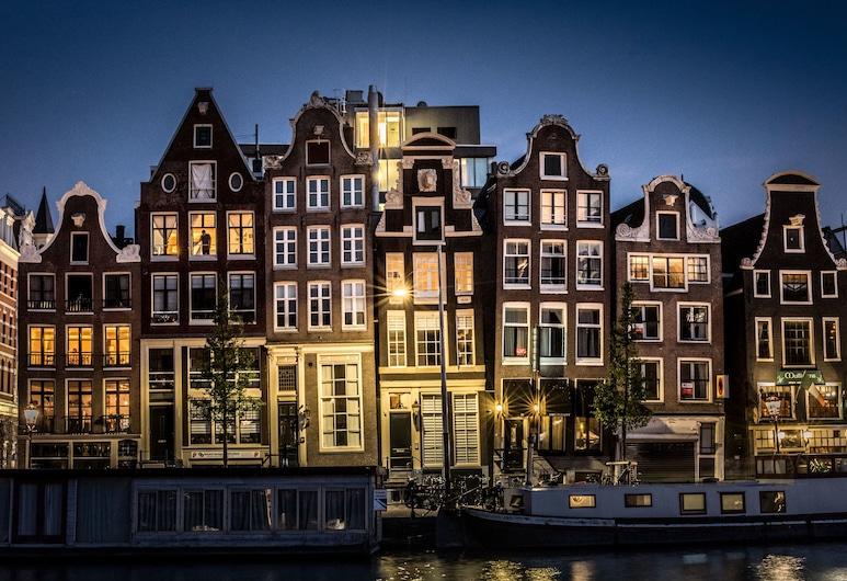 Hotel Amstelzicht, Amsterdam, Fassaad õhtul/öösel
