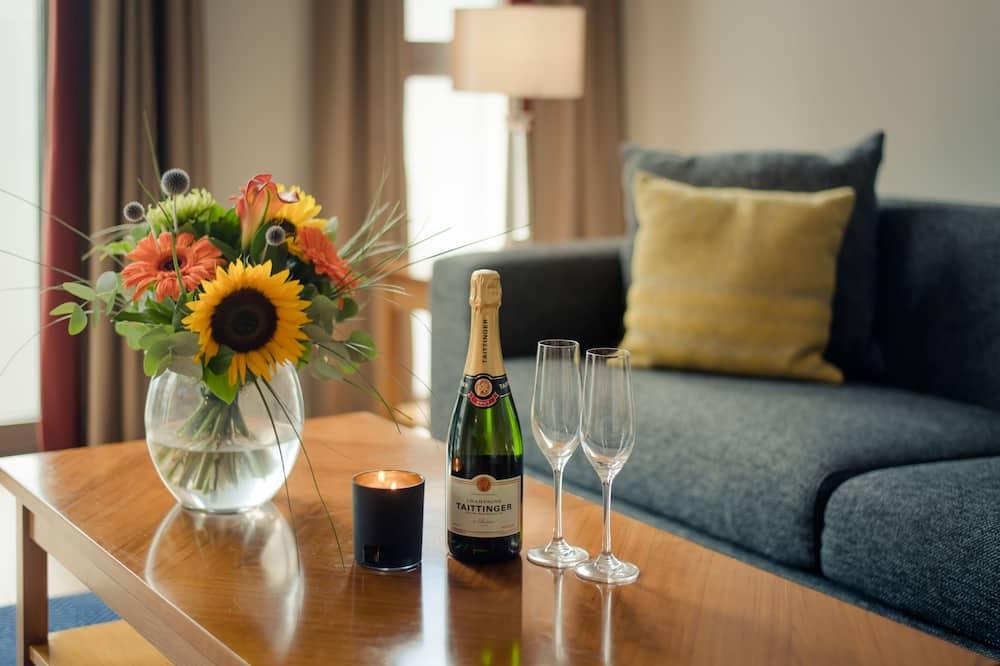 Стандартні апартаменти, 2 спальні - Обіди в номері