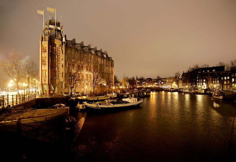 Grand Hotel Amrâth Amsterdam, Amsterdam, Hotelfassade am Abend/bei Nacht