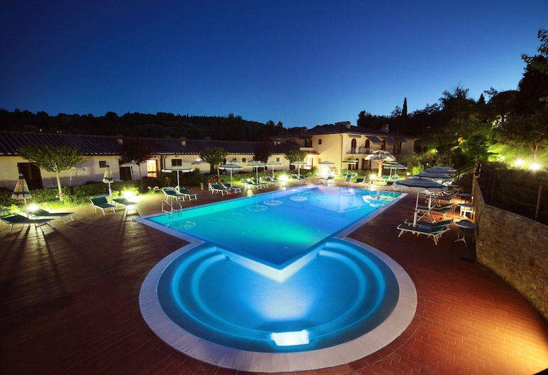 Hotel Sovestro, San Gimignano, Outdoor Pool