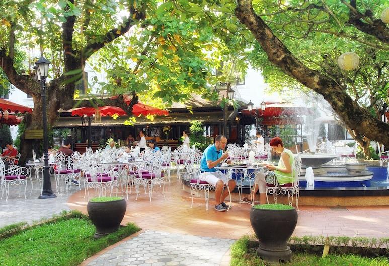 Hotel Saigon Morin, Hue, Teres/Laman Dalam