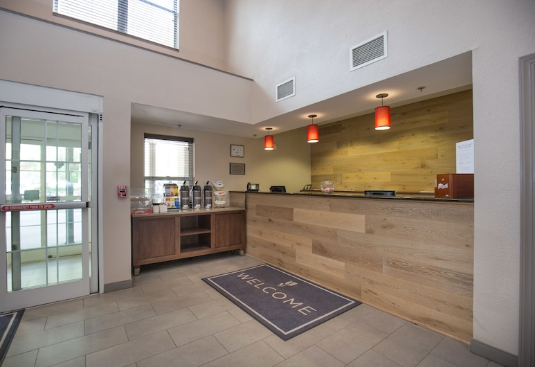 Country Inn & Suites by Radisson, Boone, NC, Boone, Ieejas interjers