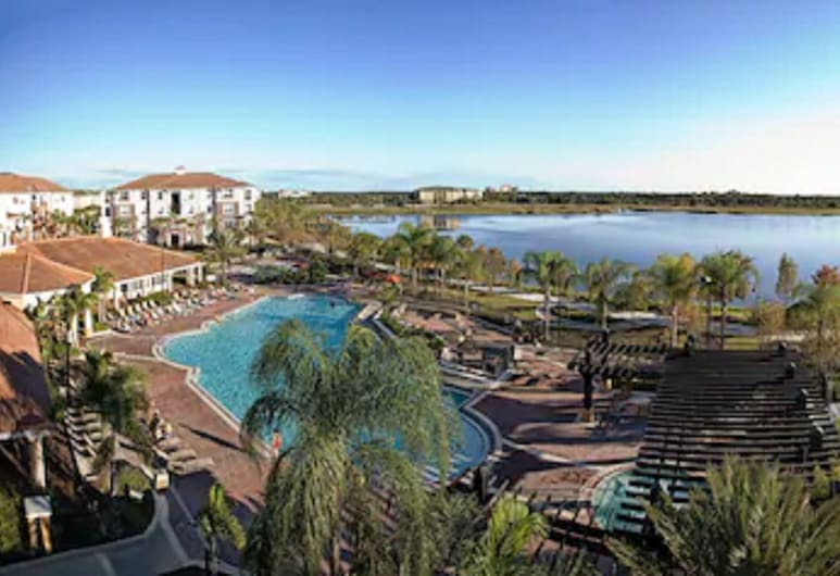 Vista Cay Resort by Millenium at Universal Blvd, Orlando