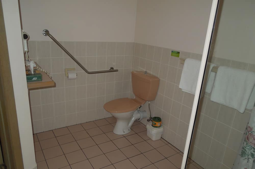 Standard Room, Non Smoking (Accessible Friendly) - Bathroom