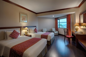 Picture of Halong Plaza Hotel in Halong